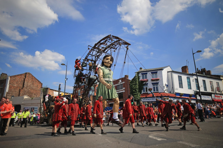 Image: Royal De Luxe Giants Take To The Streets of Liverpool