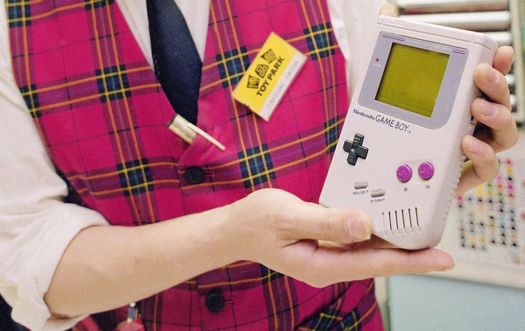 Image: The original Nintendo Game Boy in 1989