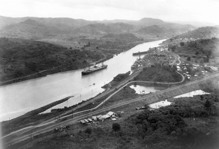 Image: Panama Canal in 1914