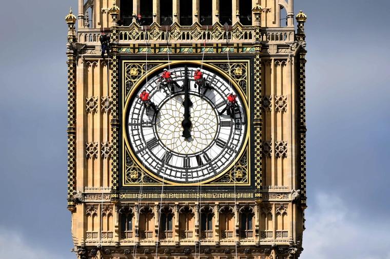 Image:  Great Clock atop the landmark Elizabeth Tower
