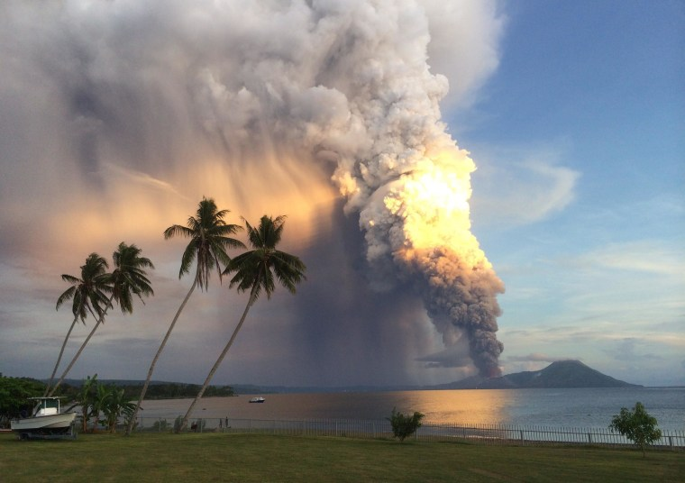 Volcano Erupts in Papua New Guinea, Diverting Flights