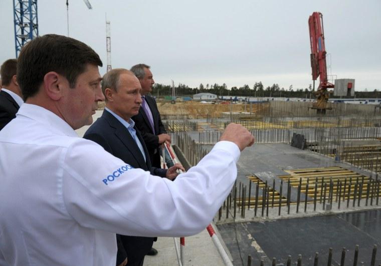 Image: Vladimir Putin, Oleg Ostapenko, Dmitry Rogozin