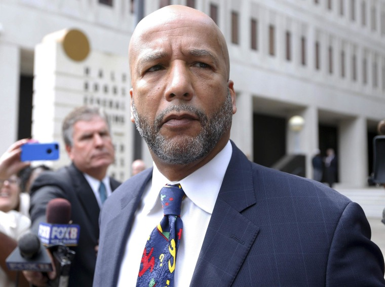 Former New Orleans Mayor Ray Nagin Arrives at Prison to Serve 10 Years