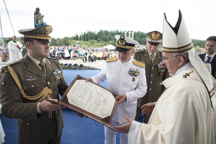Pope Visits WWI Battlefield Where His Grandfather Fought