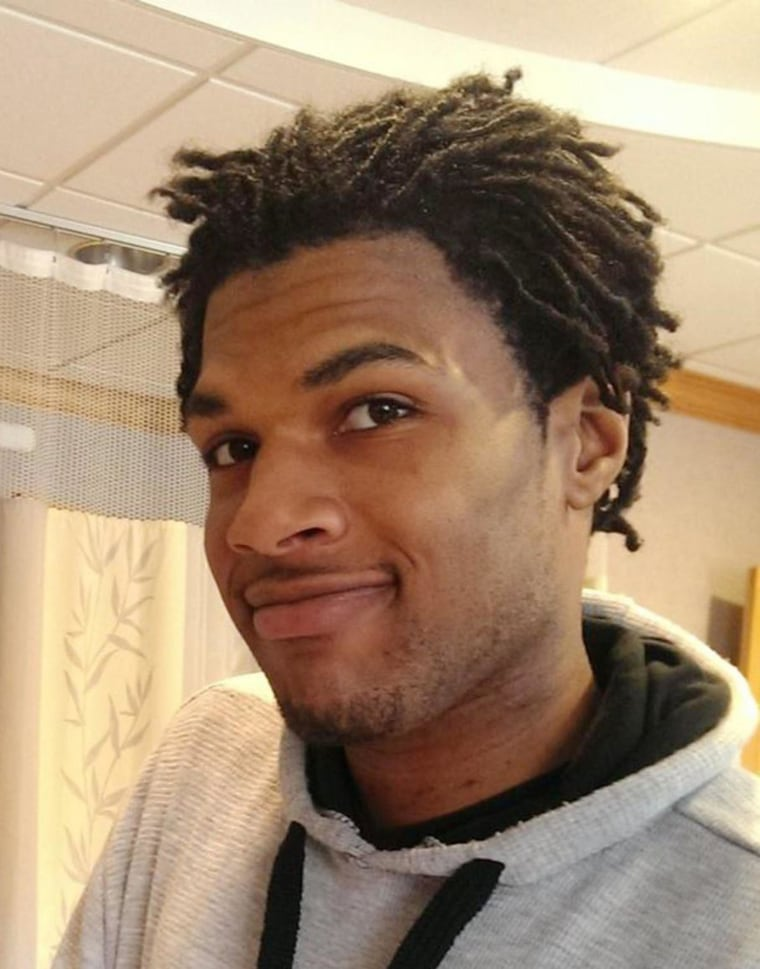 No Charges for Police in Shooting of Black Man at Ohio Walmart