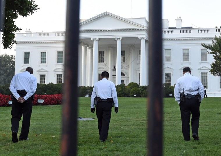 Image: White House Fence