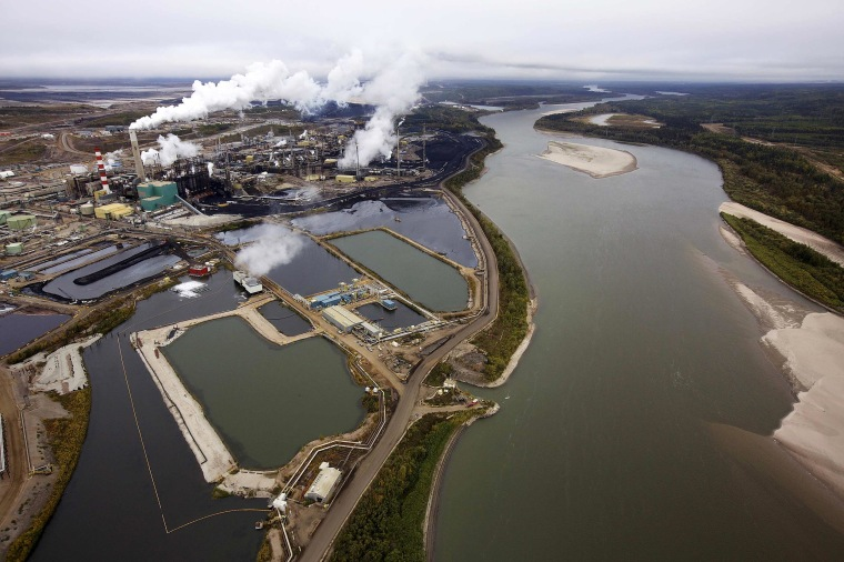 Image: tar sands processing plant
