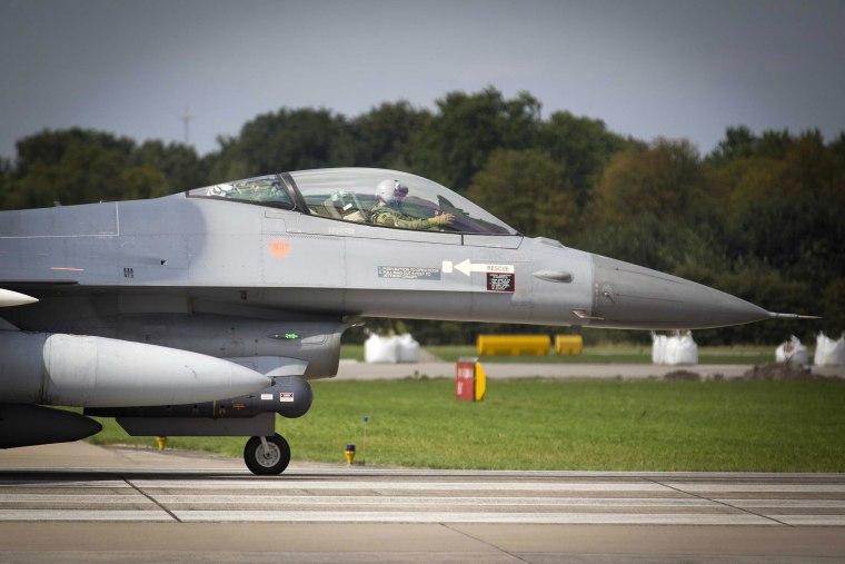 Image: A Dutch F-16