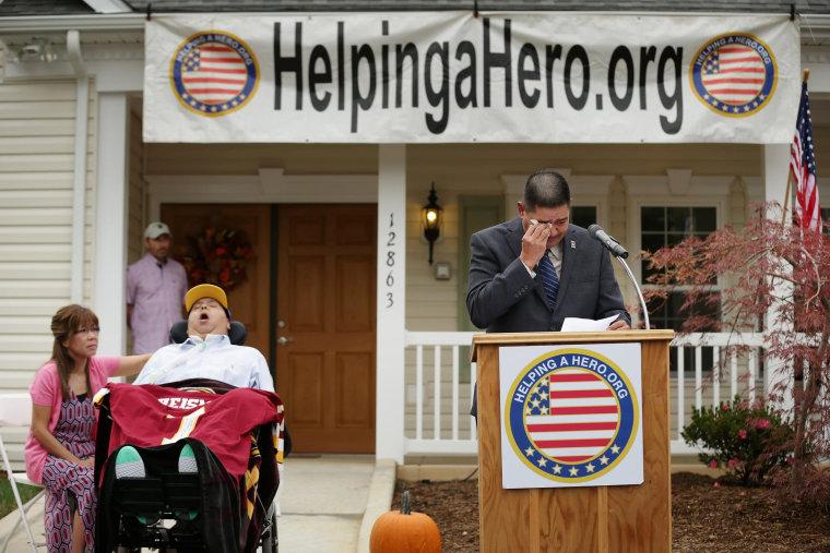 Image: Quadriplegic War Veteran Receives New Specially-Built Home