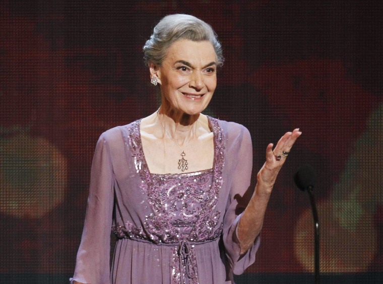 Actress Marian Seldes accepts her lifetime achievement award at the American Theatre Wing's 64th annual Tony Awards ceremony in New York, in this June 13, 2010 file photo.