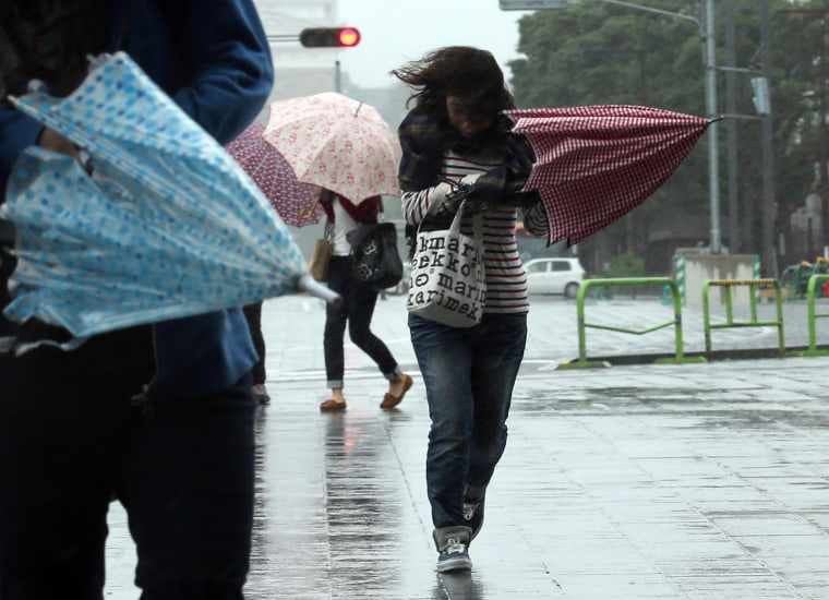 Image: Typhoon Vongfong hits Japan