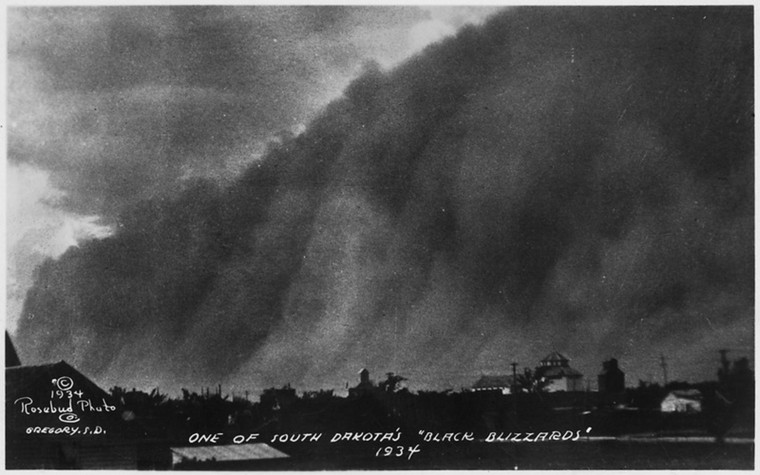 Image: A 'black blizzard' dust storm in South Dakota, 1934