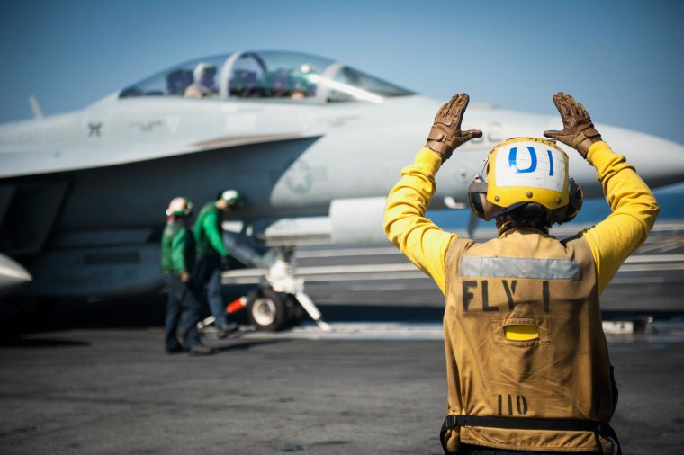 Image: A plane on the aircraft carrier USS Carl Vinson