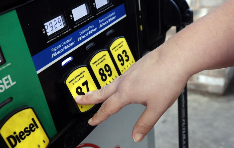 The average price of U.S. retail gasoline dropped 18 cents in the past two weeks to the lowest level in nearly four years, driven by a steep drop in oil prices.