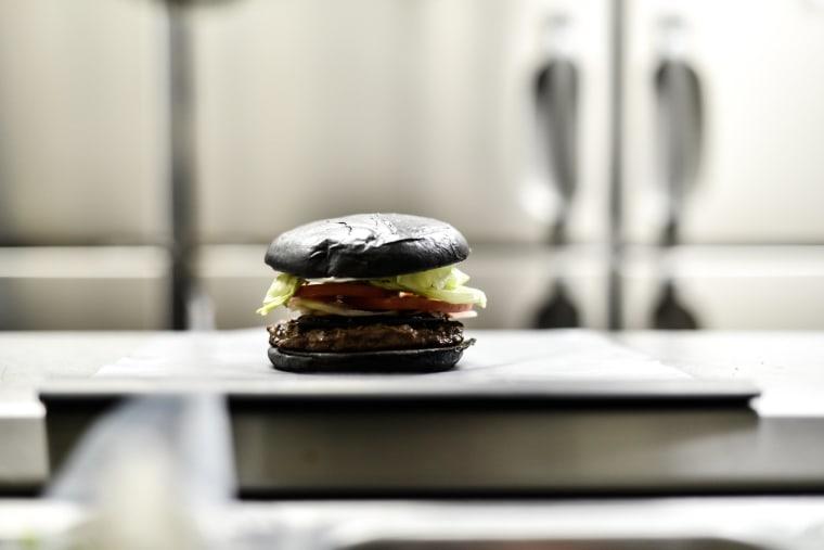 Image: Burger King In Japan Goes Black
