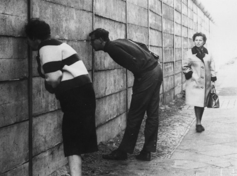 Image: Berlin Wall on Oct. 3, 1966