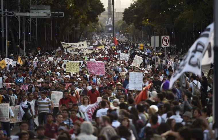 Image: Protest in Mexico City on Nov. 5
