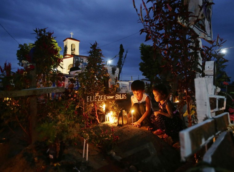 Survivors Remember Victims of Typhoon Haiyan in the Philippines