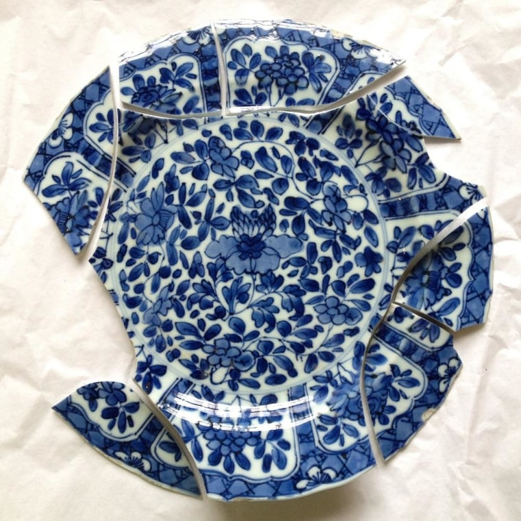 Image: Blue-and-white plate from China found in Irish castle