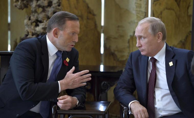 Image: Russia's President Vladimir Putin and Australia's Prime Minister Tony Abbott