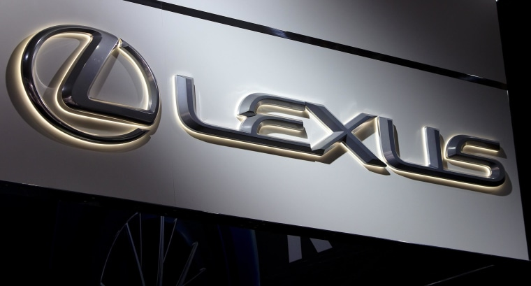 Toyota will recall 422,509 of its luxury brand Lexus vehicles in the United States because of a possible fuel leak.