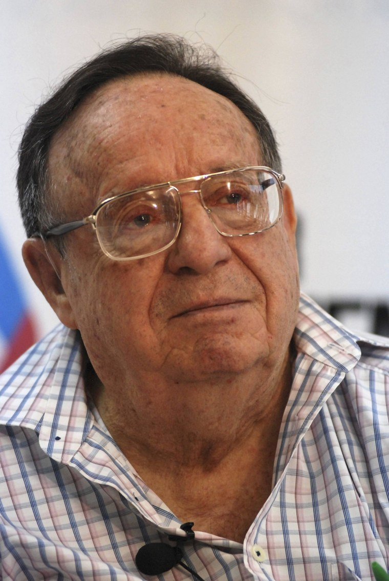 Image: File photo shows Mexican comedian Bolanos attending a news conference in Monterrey