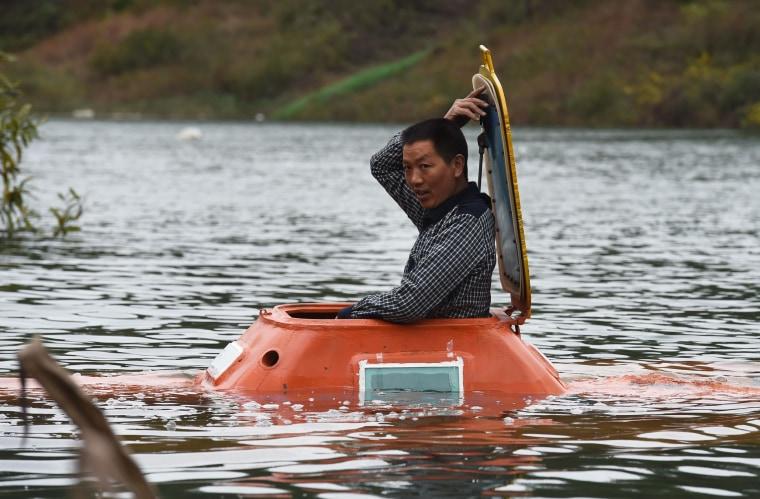 Image: CHINA-TRANSPORT-LIFESTYLE-SUBMARINE-OFFBEAT