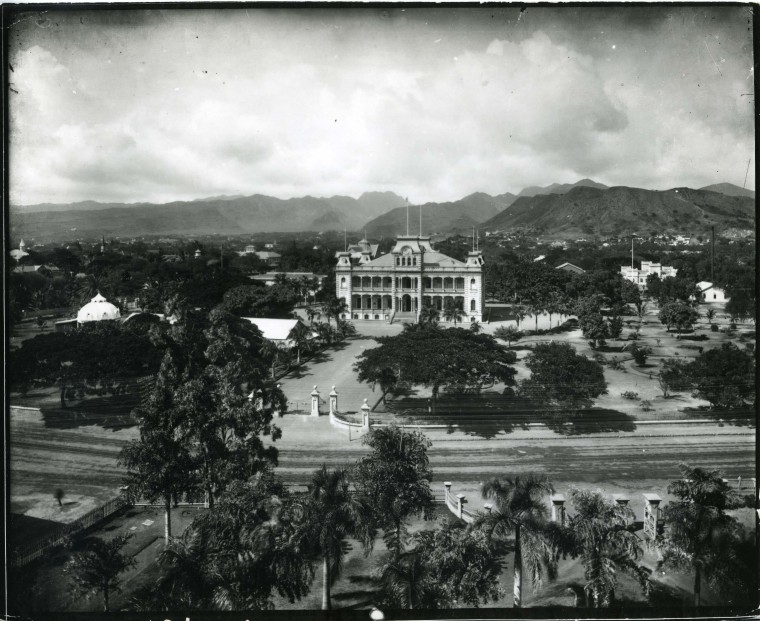 Caretakers of Hawaii's Iolani Palace are on a worldwide search for artifacts of the Hawaiian Monarchy.