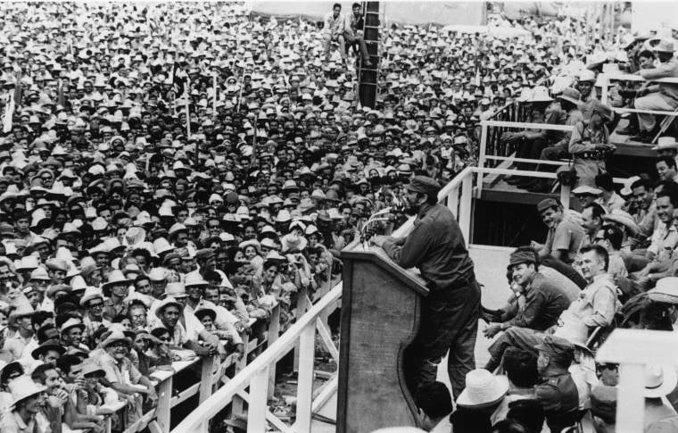 Image: Fidel Castro speaking at the farewell ceremony for the Centenary Youth Movement in Cuba