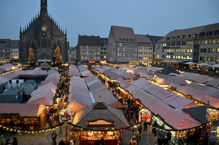 Image:Christkindlesmarkt in Nuernberg, Germany