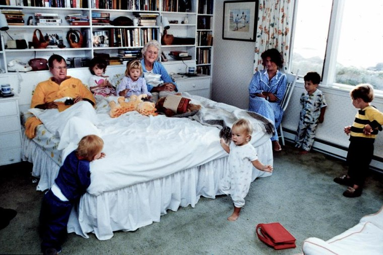 Image: President Bush and his grandchildren in Kennebunkport ME.