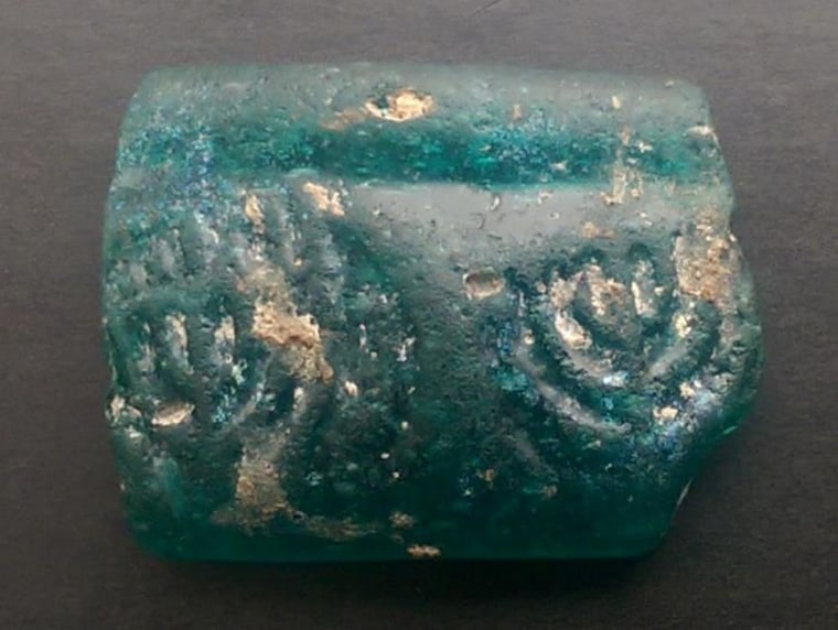Image: Ancient glass fragment