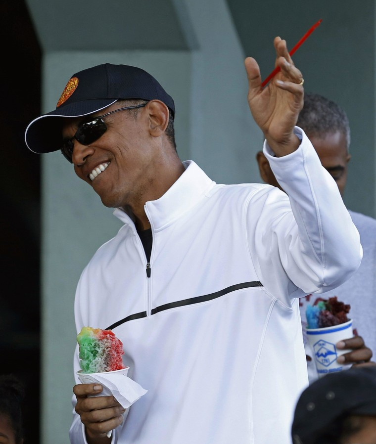 Image: US President Obama stops for shave ice in Kailua during Hawaiian holiday vacation