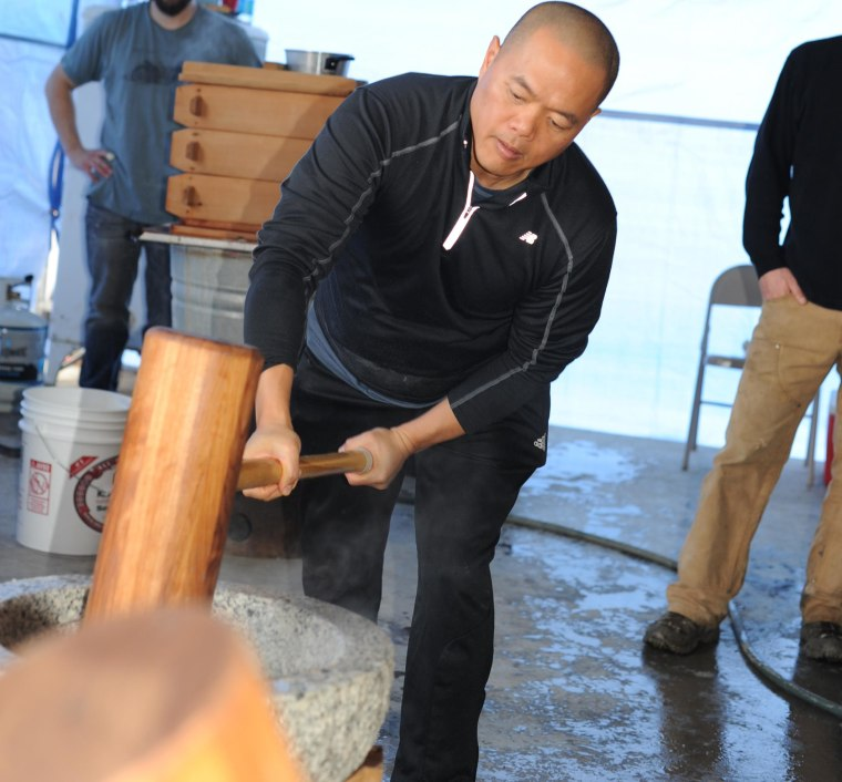Pounding rice at Koda Farms Mochitsuki.