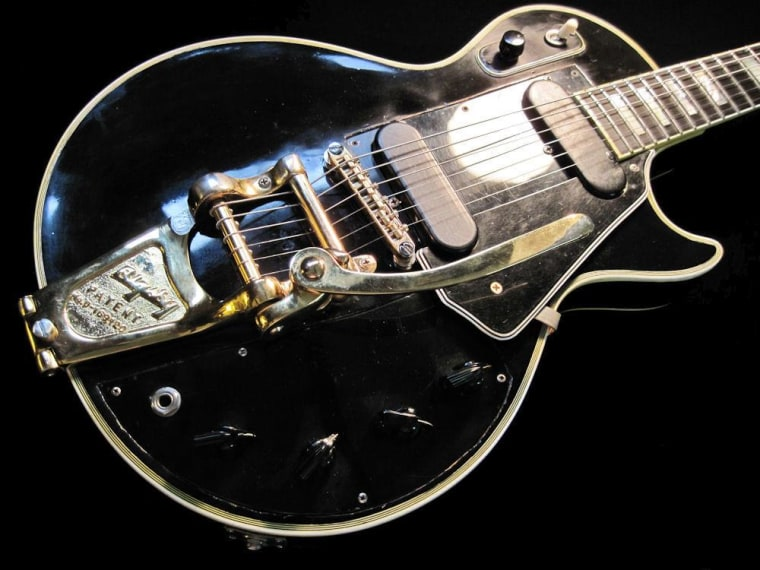 "Image: Les Paul ""Black Beauty"" guitar"