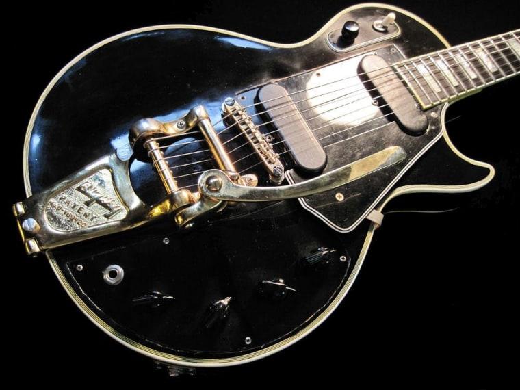 "Image: Les Paul \""Black Beauty\"" guitar"