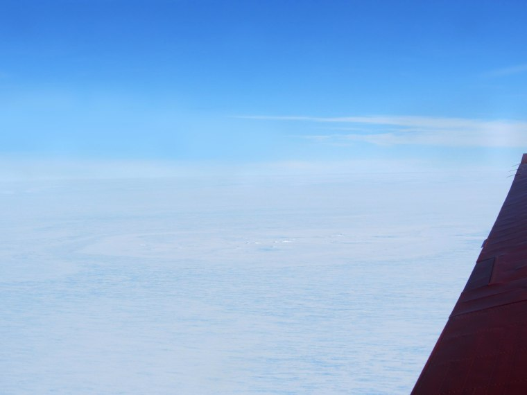 Image: A possible meteorite impact site on the King Baudouin Ice Shelf