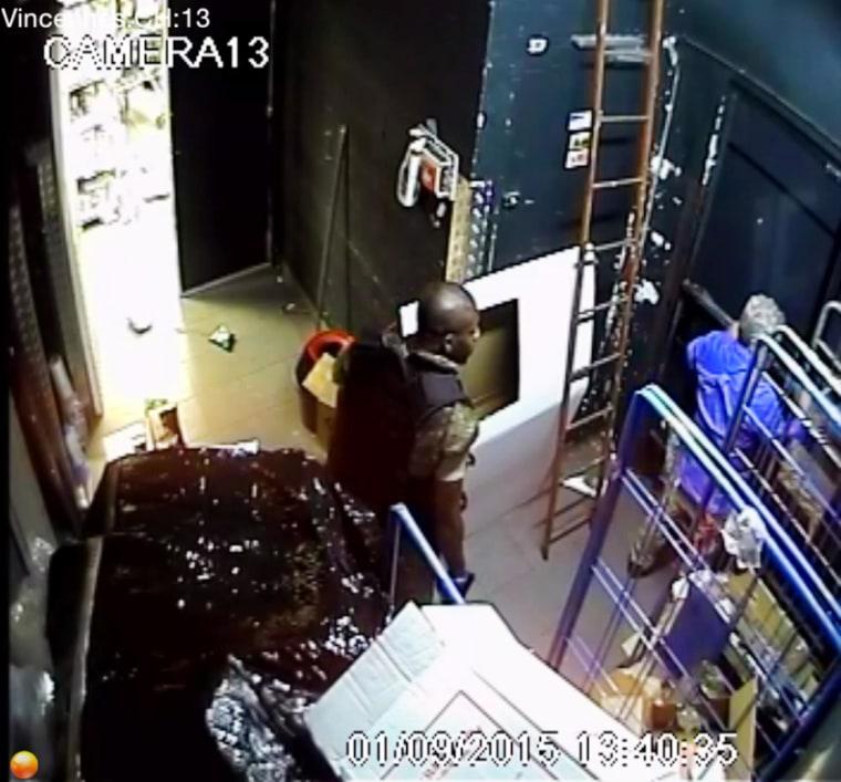 Image: Inside Paris market hostage scene
