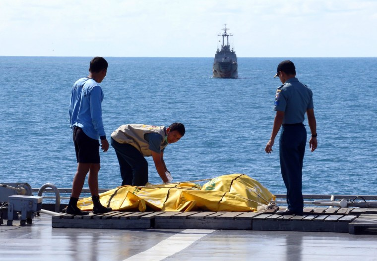 Image: Recovery mission for crashed AirAsia plane in Pangkalan Bun Indonesia