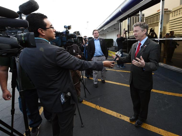 Image: Senator Rand Paul (R-KY) Visits Diner In Las Vegas