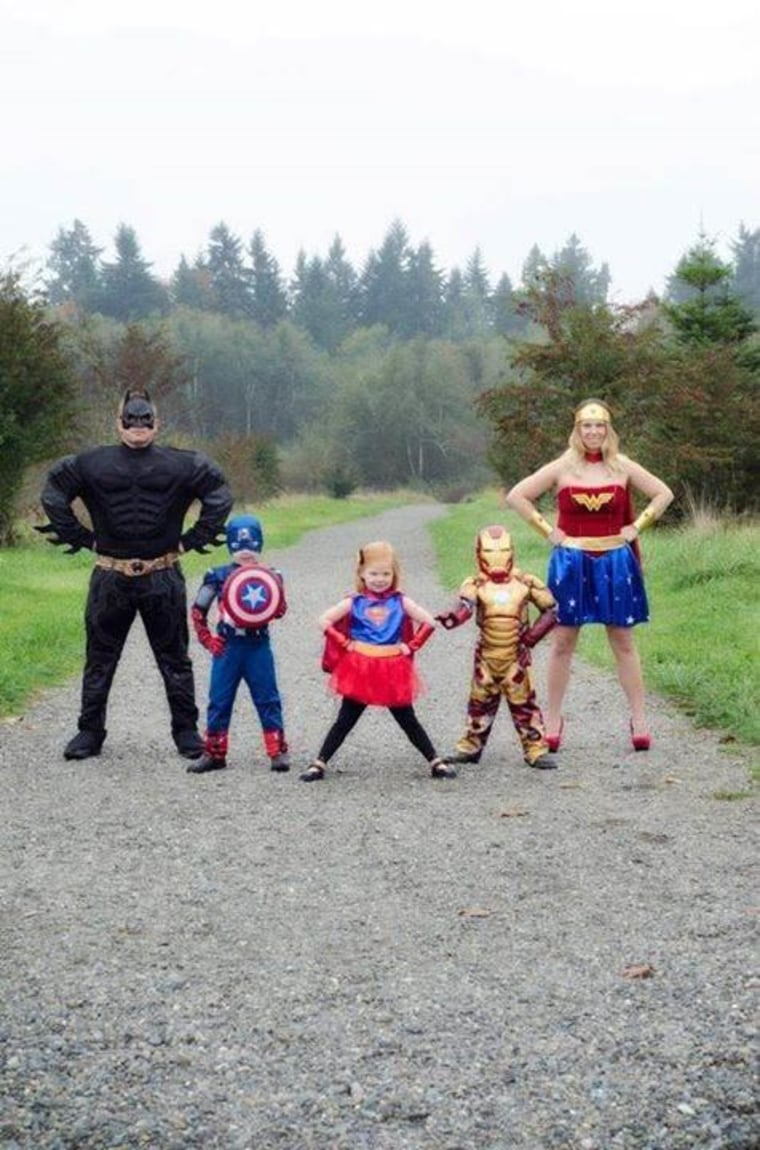 family halloween costumes superheros
