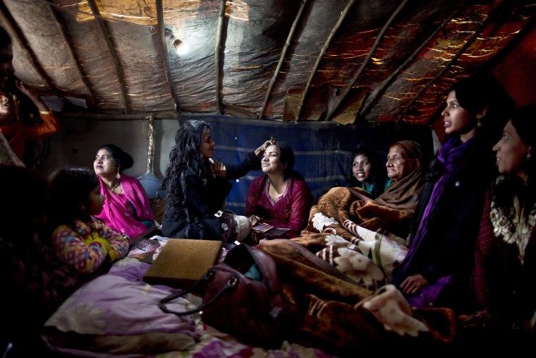 Image: Pakistani Christian bride Dunya Yacob