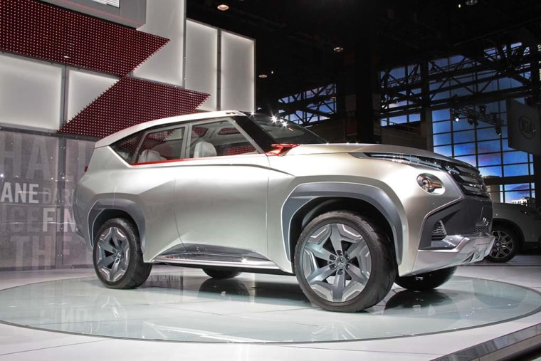 Move Over Prius Hybrid Crossovers Roll Out At Chicago Auto Show - Car show chicago today