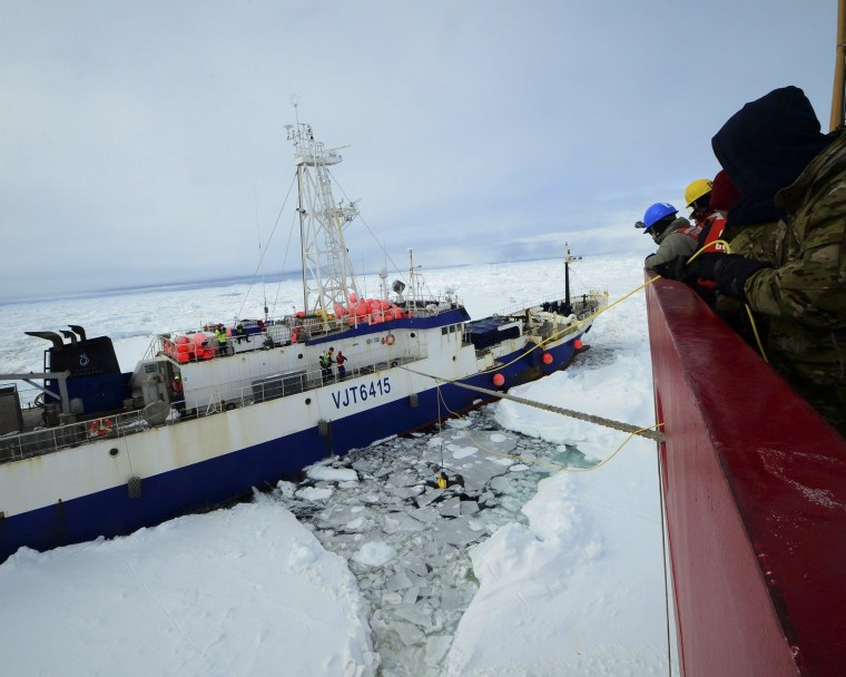 U.S. Icebreaker Begins Towing Stricken Ship Out of Antarctic Ice