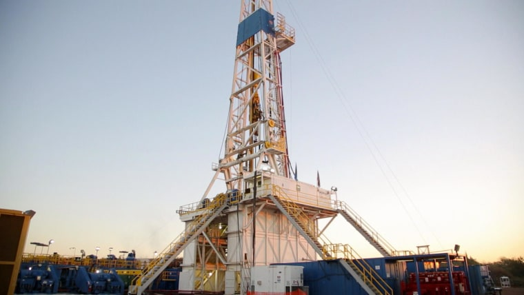 Image: Oil well