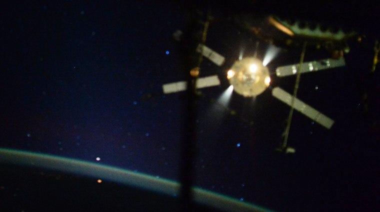 Europe's Last ATV Cargo Spaceship Falls to Fiery Doom