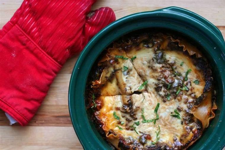 Slow Cooker Spinach and Mushroom Lasagna