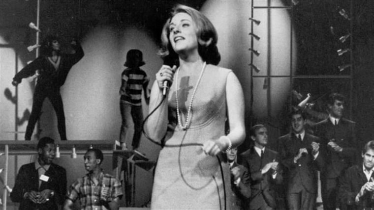 Singer Lesley Gore is pictured in 1970.