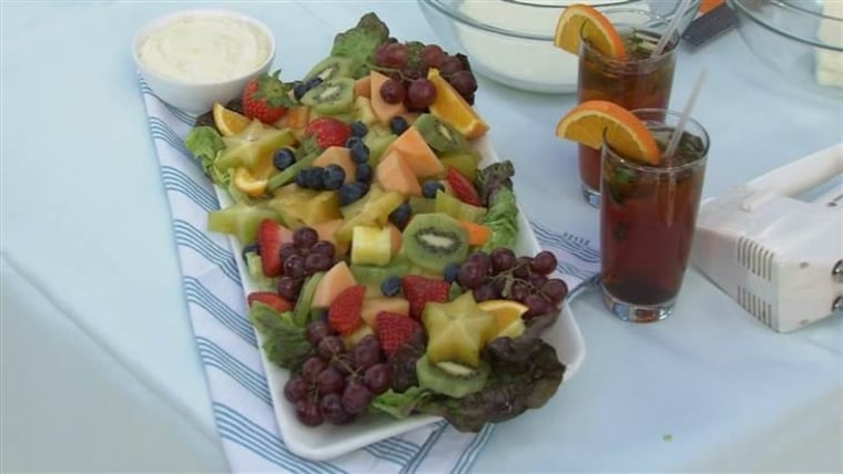 Fruit with French cream sauce