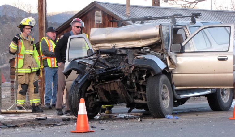 Image: Wrecked Toyota 4Runner